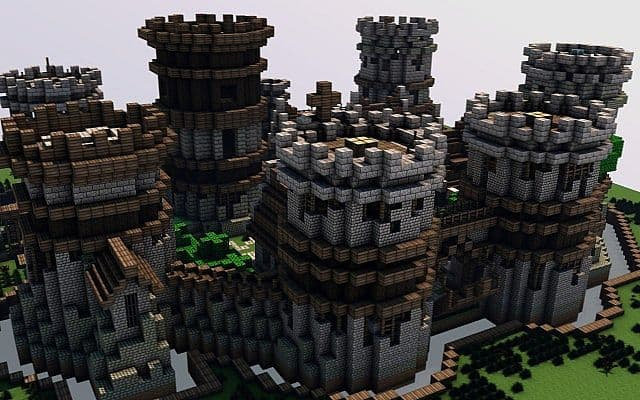 Old Castle minecraft building ideas 3