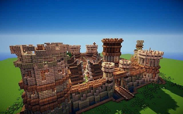 Old Castle minecraft building ideas 4