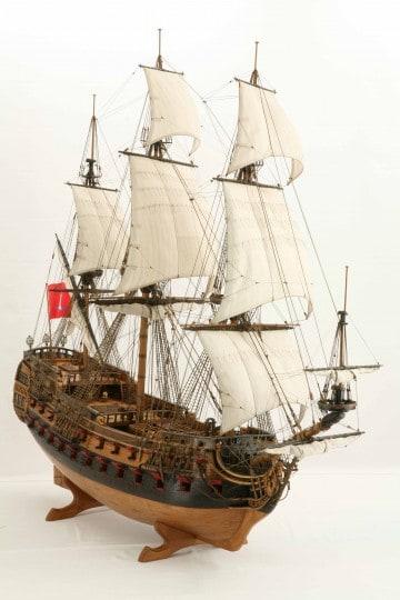 Wapen von Hamburg Full interior build  World DL minecraft building ideas sea ship boat sails 17